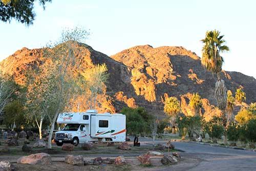 Camping-at-Lake-Mead